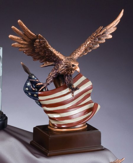 "OCDRFB138 - 12"" Eagle Resin Trophy"